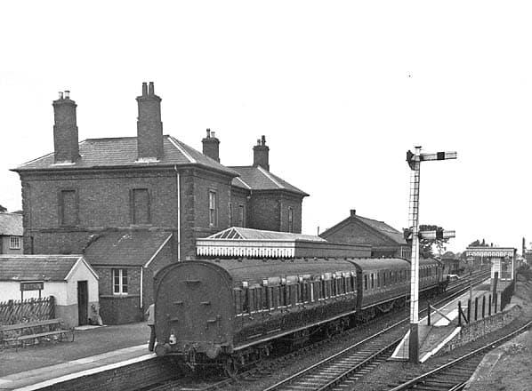 Ruthin railway station Rhuthun